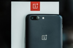 The cost of OnePlus 5 in the secondary market fell by 91% during the year