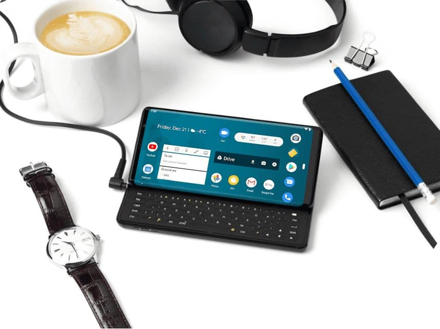 Smartphone with retractable keyboard